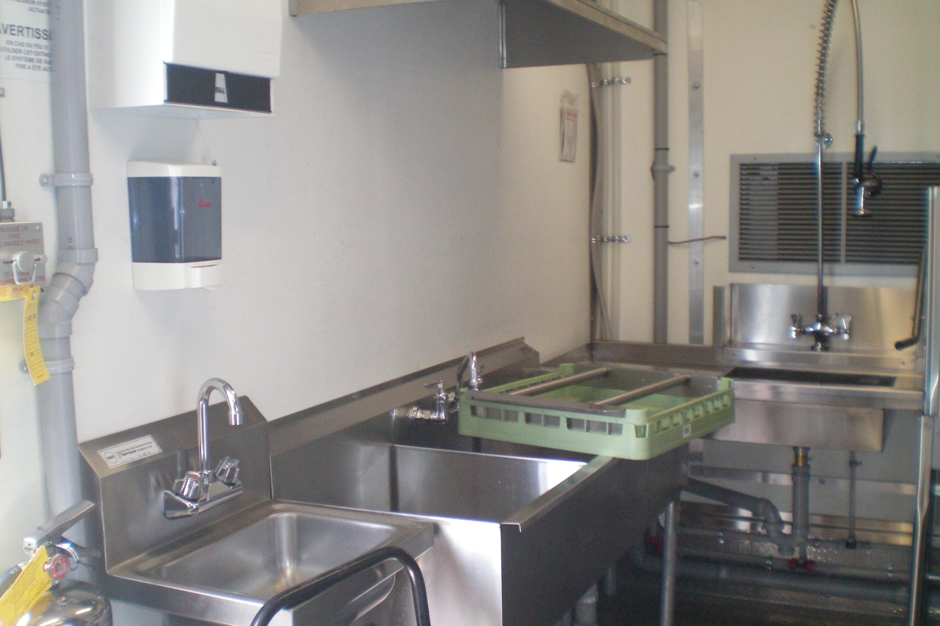kitchen trailers counter island american mobile kitchens custom dishwashing units 53 mnr