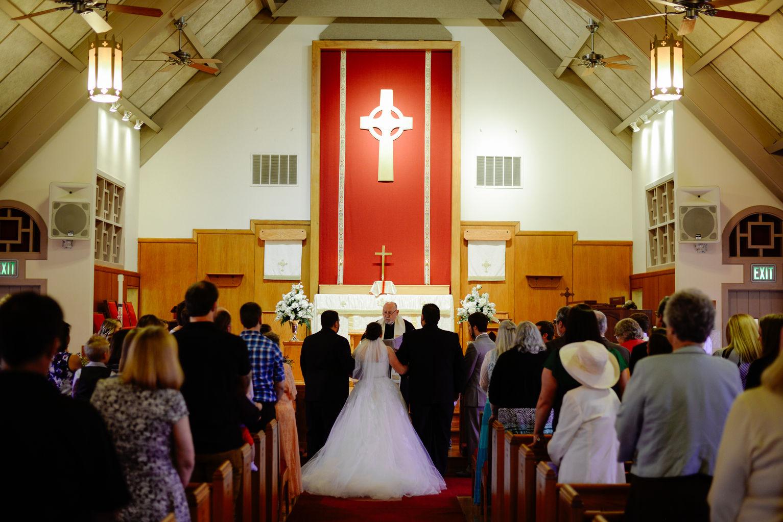Hampton Roads Virginia Beach Spring Wedding Photographers Methodist Church