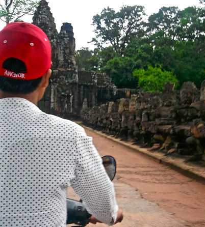 Exploring the Largest Religious Monument in the World-Angkor Wat