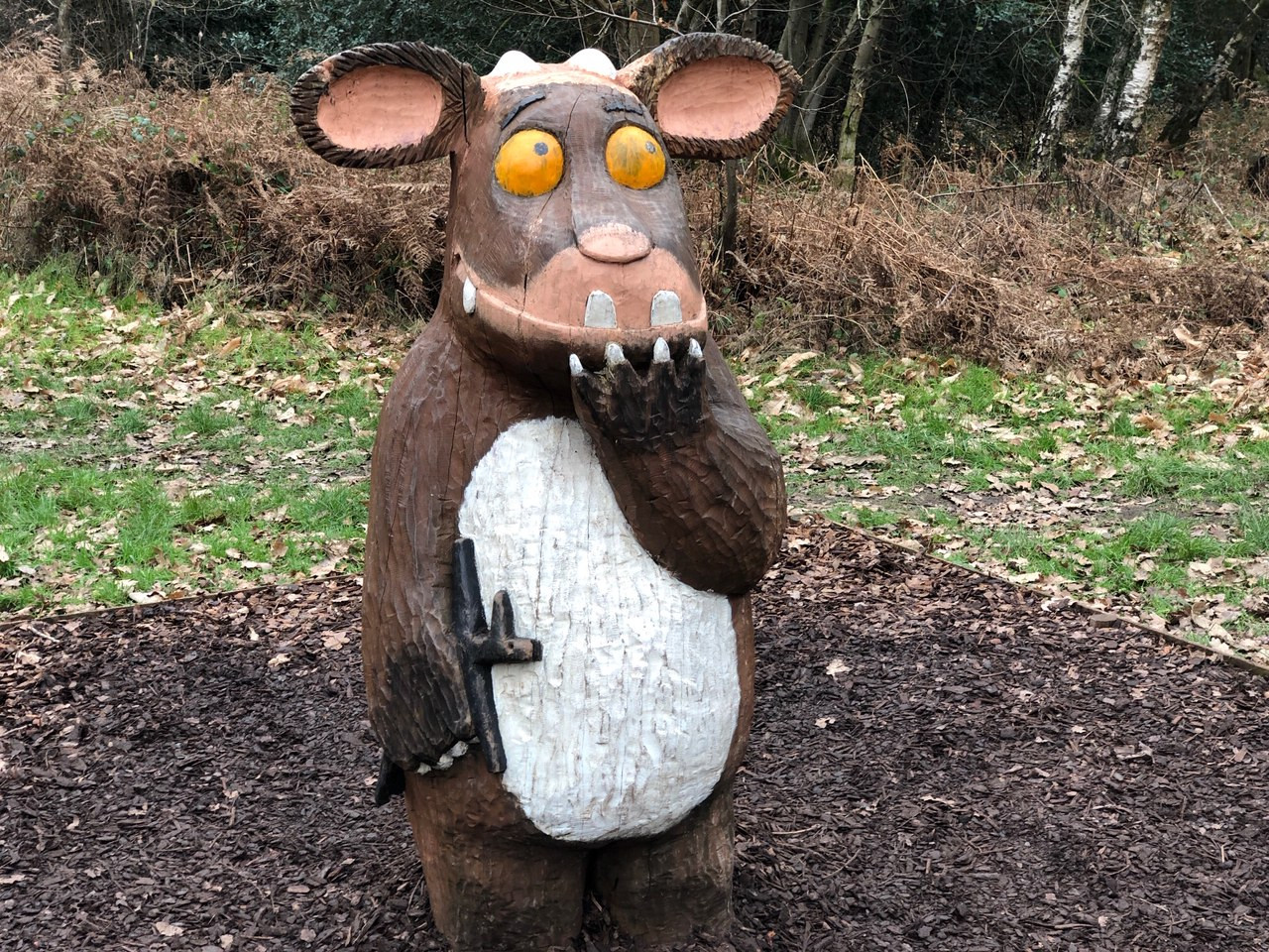 First time visit to alice holt despite it being in our local district. Alice Holt Forest Gruffalo Sculptures Berkshire Mummies