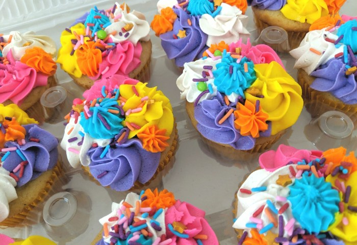 Cupcakes Cake Pops Tennessee Sugarlips Bakery Llc