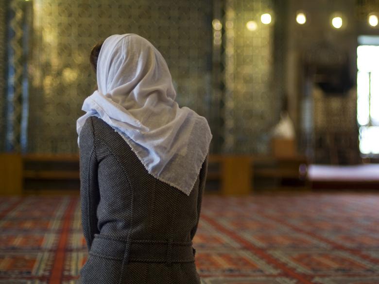 Wallpaper Muslim Girl Islam Les Femmes Toutes Aussi Religieuses Que Les Hommes