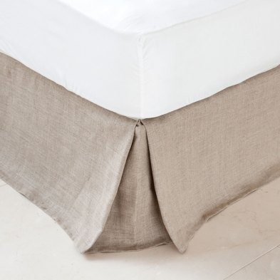 how to style a bed valance