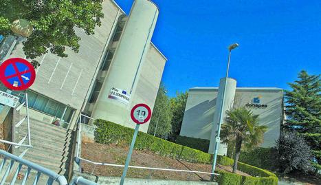 El centro FP Donapea, en la colina del mismo nombre, donde la UN quiere construir 3 centros de investigación.. JESUS CASO