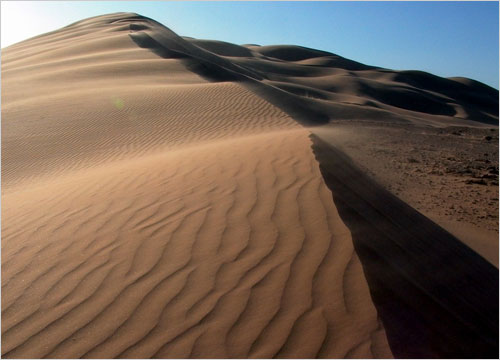 Secrets Of The Singing Sand Dunes The New York Times
