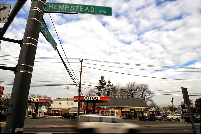 Hempstead Turnpike Leads New York Region in Pedestrian Deaths  The New York Times