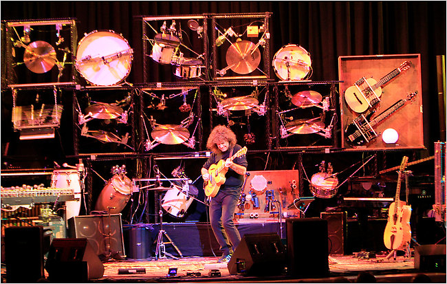 Pat Metheny Brings His One Man Band To Town Hall The New