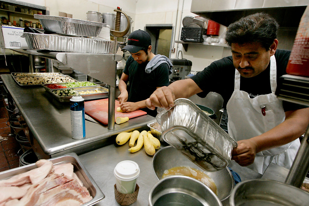 Immigration Debate Steps Into the Kitchen  The New York Times