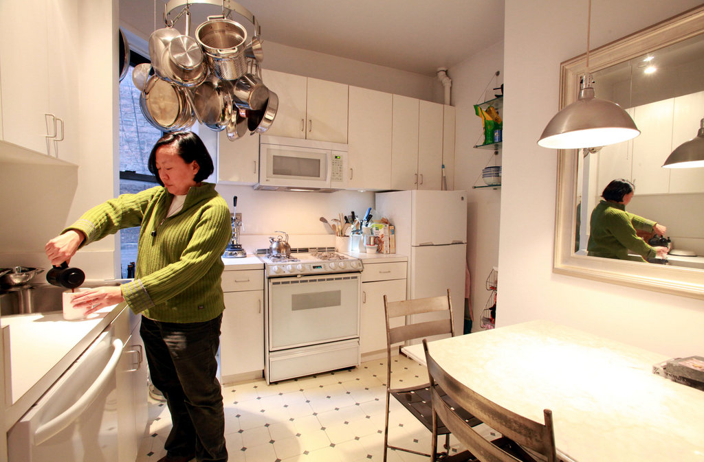 New York Chefs Come Home To Tiny Kitchens The New York Times
