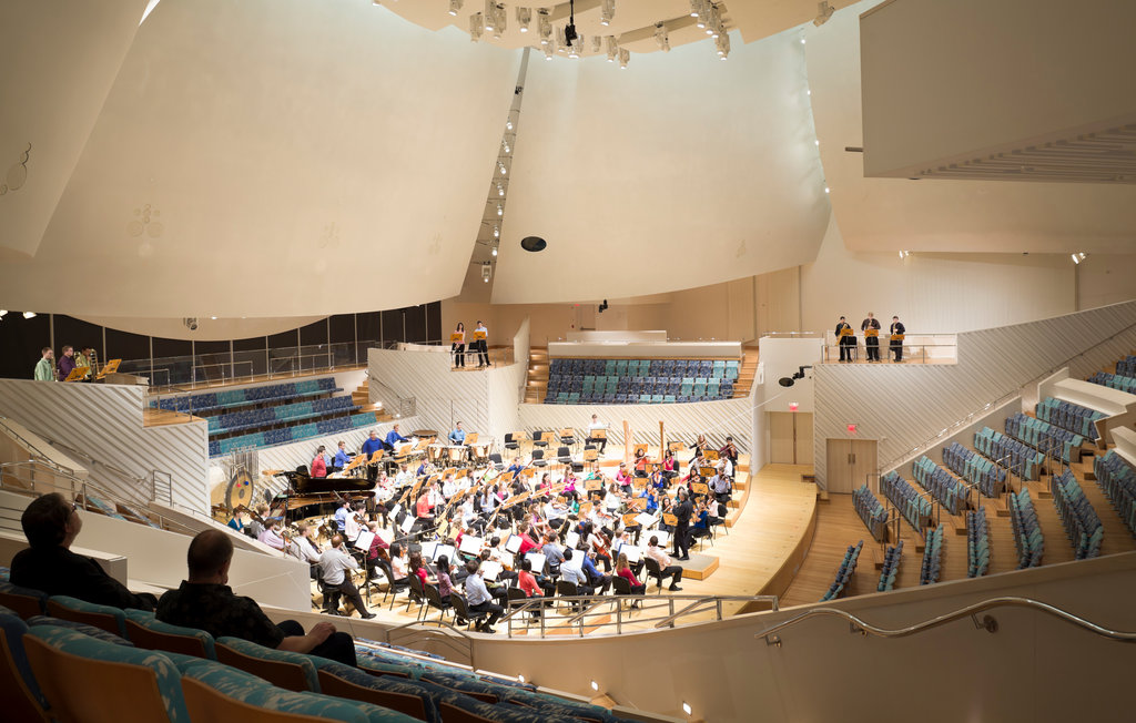 Frank Gehrys Home for New World Symphony  Review  The