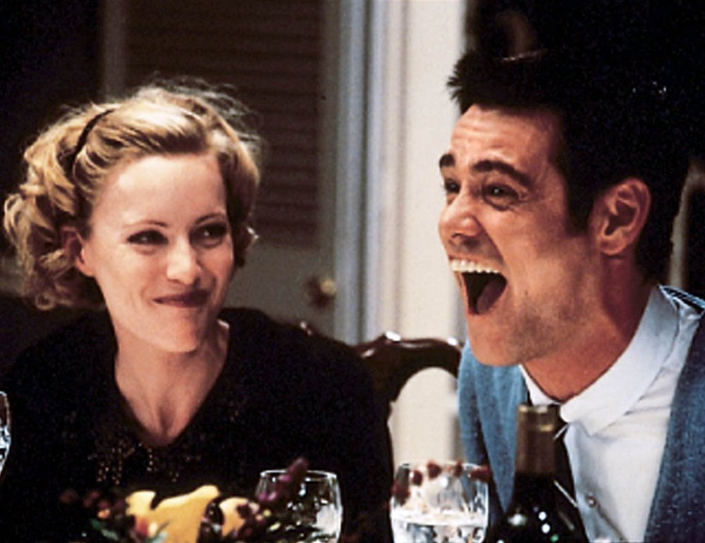 medium resolution of leslie mann and jim carrey in the cable guy the 1996 comedy directed by ben stiller credit sony home entertainment