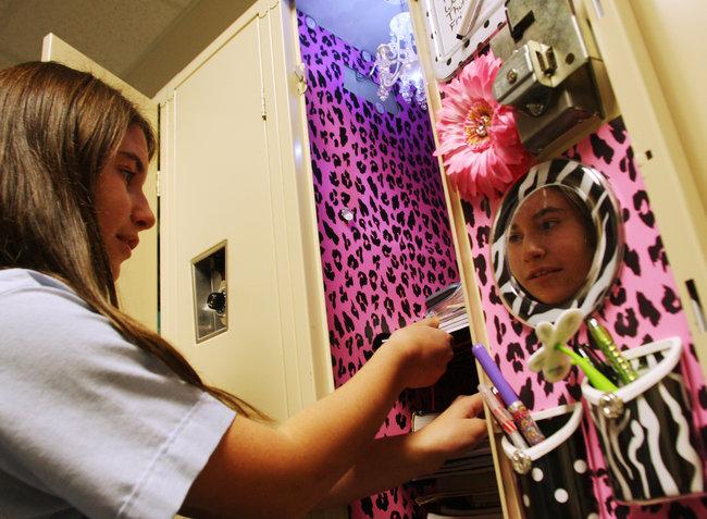 Cute Locker Wallpaper Locker Decorations Growing In Popularity In Middle Schools