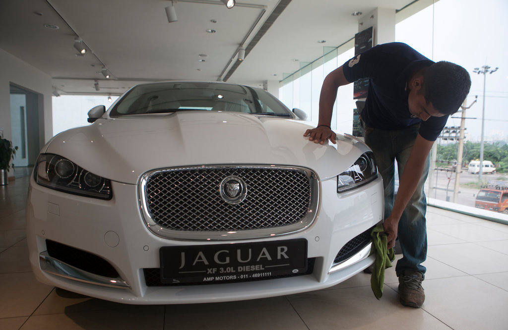 Tata Motors Finds Success In Jaguar Land Rover The New York Times