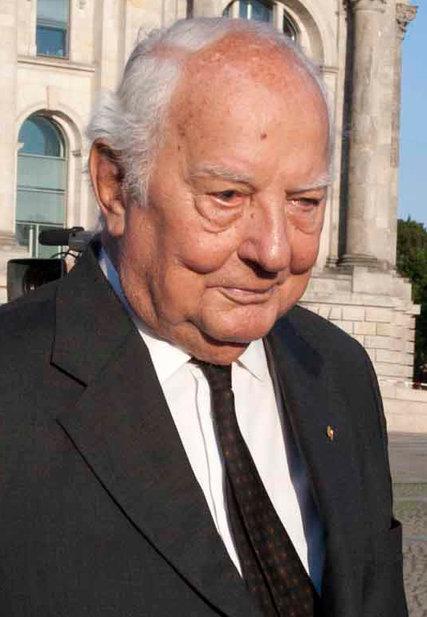 EwaldHeinrich von Kleist AntiHitler Plotter Dies at 90