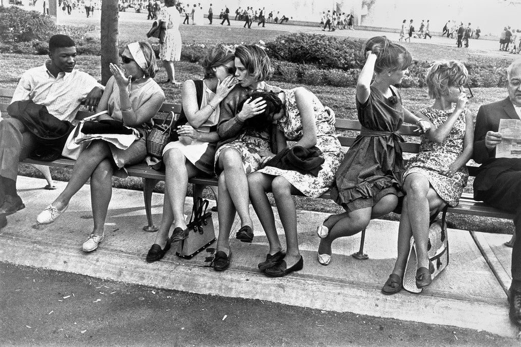 Garry Winogrand Retrospective in San Francisco - The New York Times