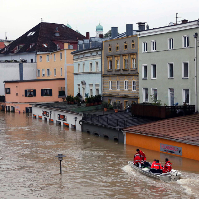Officials Urge Evacuations in German Floods - The New York Times
