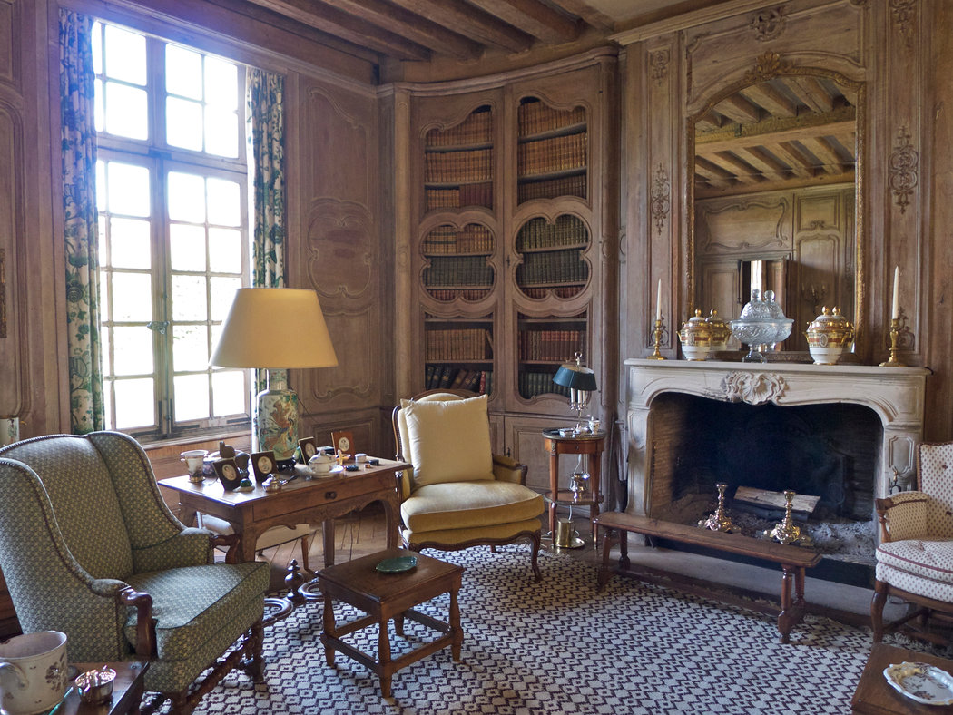 Near Paris A Mansion Marked By History The New York Times