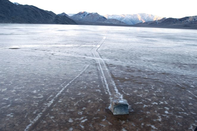 An Icy Answer to the Mystery of the Moving Death Valley Stones - The New  York Times