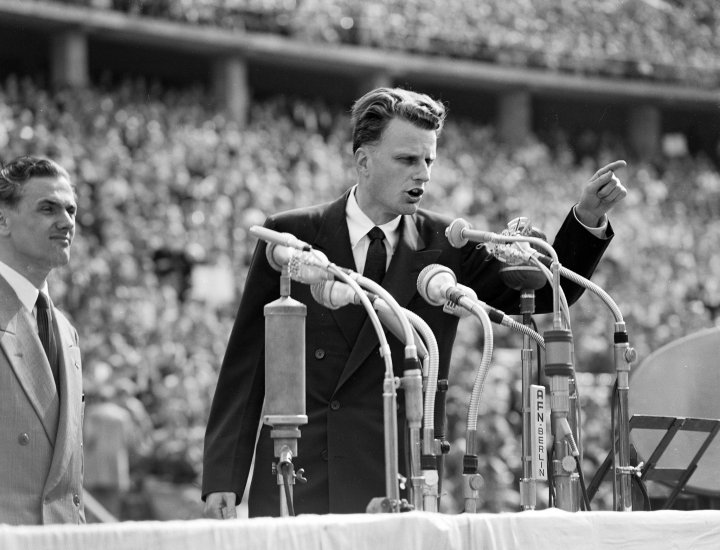Billy Graham, 99, Dies; Pastor Filled Stadiums and Counseled Presidents -  The New York Times