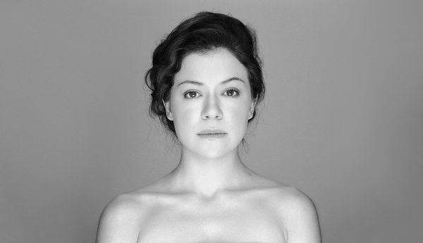 chairs that sit on the floor wheelchair gst many faces of tatiana maslany - new york times