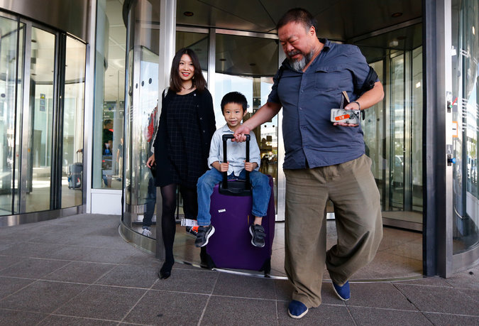 Ai Weiwei in Munich on Thursday with his wife, Lu Qing, and son, Ai Lao.CreditMatthias Schrader/Associated Press