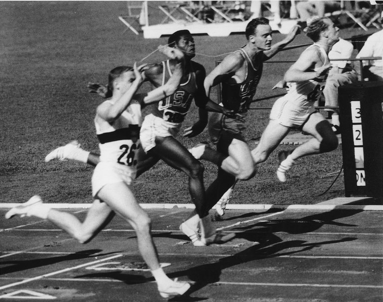 Dave Sime Dies At 79 Worlds Fastest Sprinter But Far From Its Luckiest The New York Times