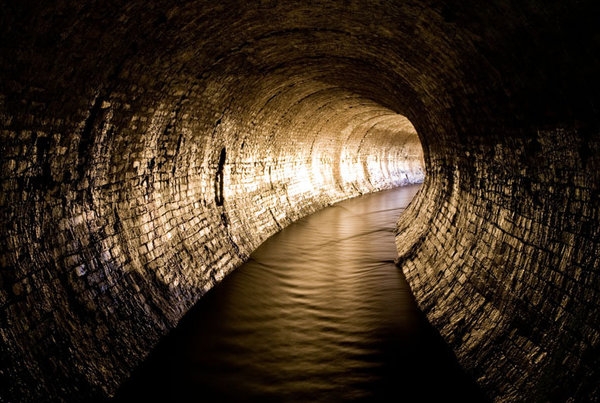 Paris Hilton Hd Wallpaper An Underground Brook Gallons Of Sewage And A Century Old