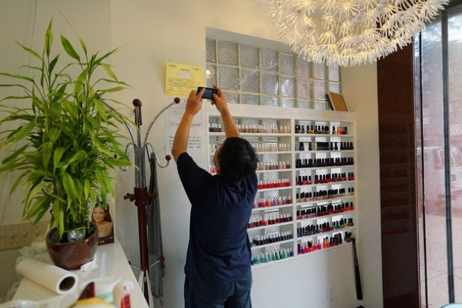 If You Ve Ever Had A Desire For Bedazzled Manicure Rounge Nyc Won T Disappoint The Nail Salon Imports Techniques Styles And Equipment Directly From