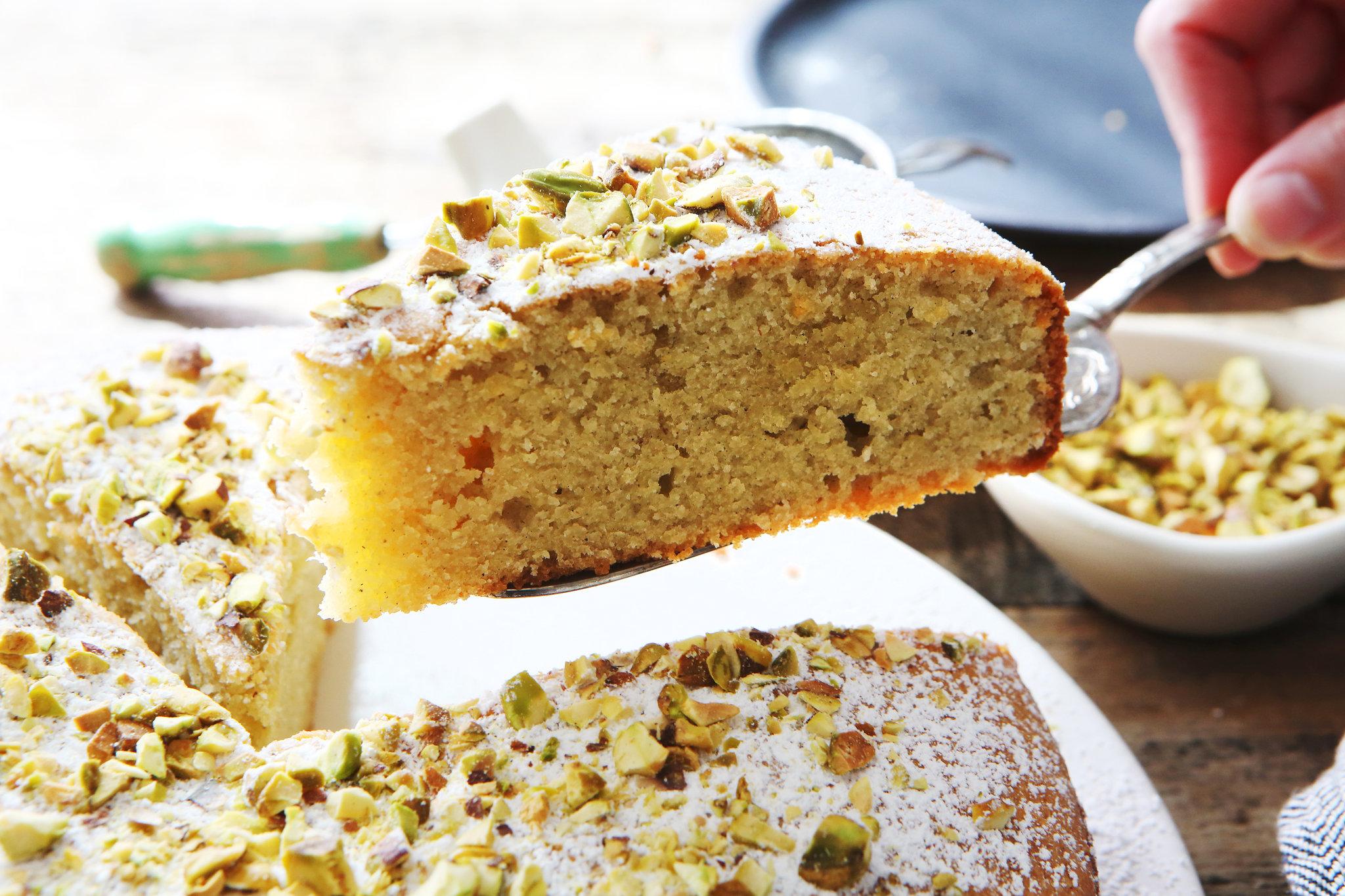 Easy Almond Apple Cake Recipe