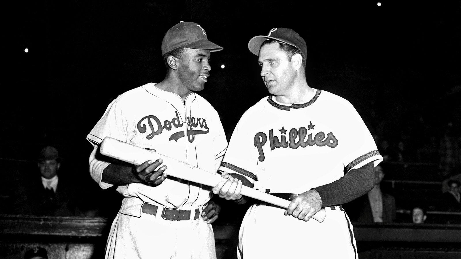 69 Years Later Philadelphia Apologizes To Jackie Robinson