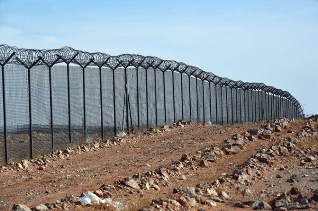 mending wall good fences make good neighbors
