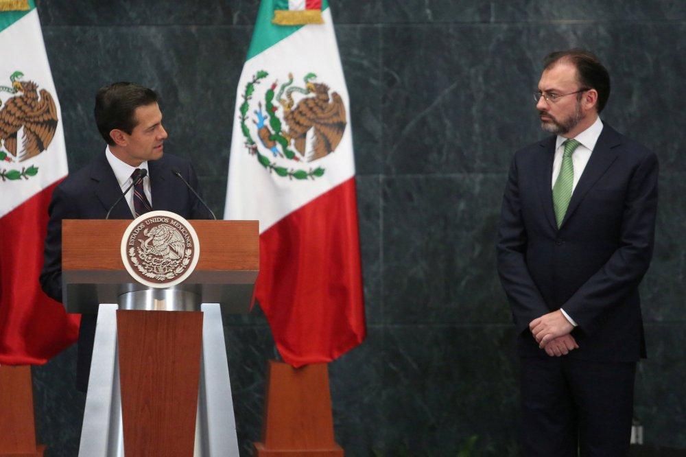 El nuevo canciller de México: un economista que promovió la visita de Trump  al país - The New York Times