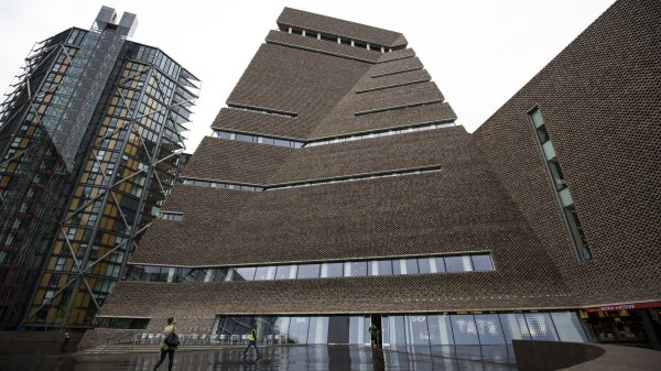 Tate Galleries In London Parting Makes Waves