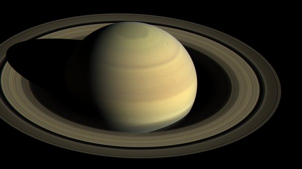 New Photos of Saturn Cassini