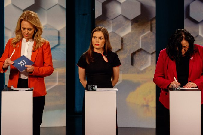 30iceland 2 master675 - Iceland's Independence Party Retains Most Seats After Election