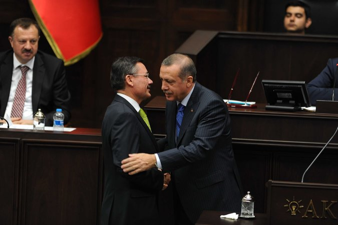 xxturkey2 master675 - Erdogan Trains His Broom on a Sweep of Turkey's Governing Party