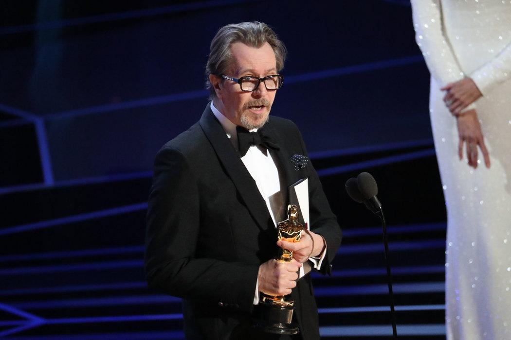 第90屆奧斯卡:《水底情深》獲最佳影片等4獎 - 紐約時報中文網