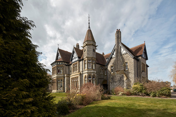 House Hunting in  Wales  The New York Times