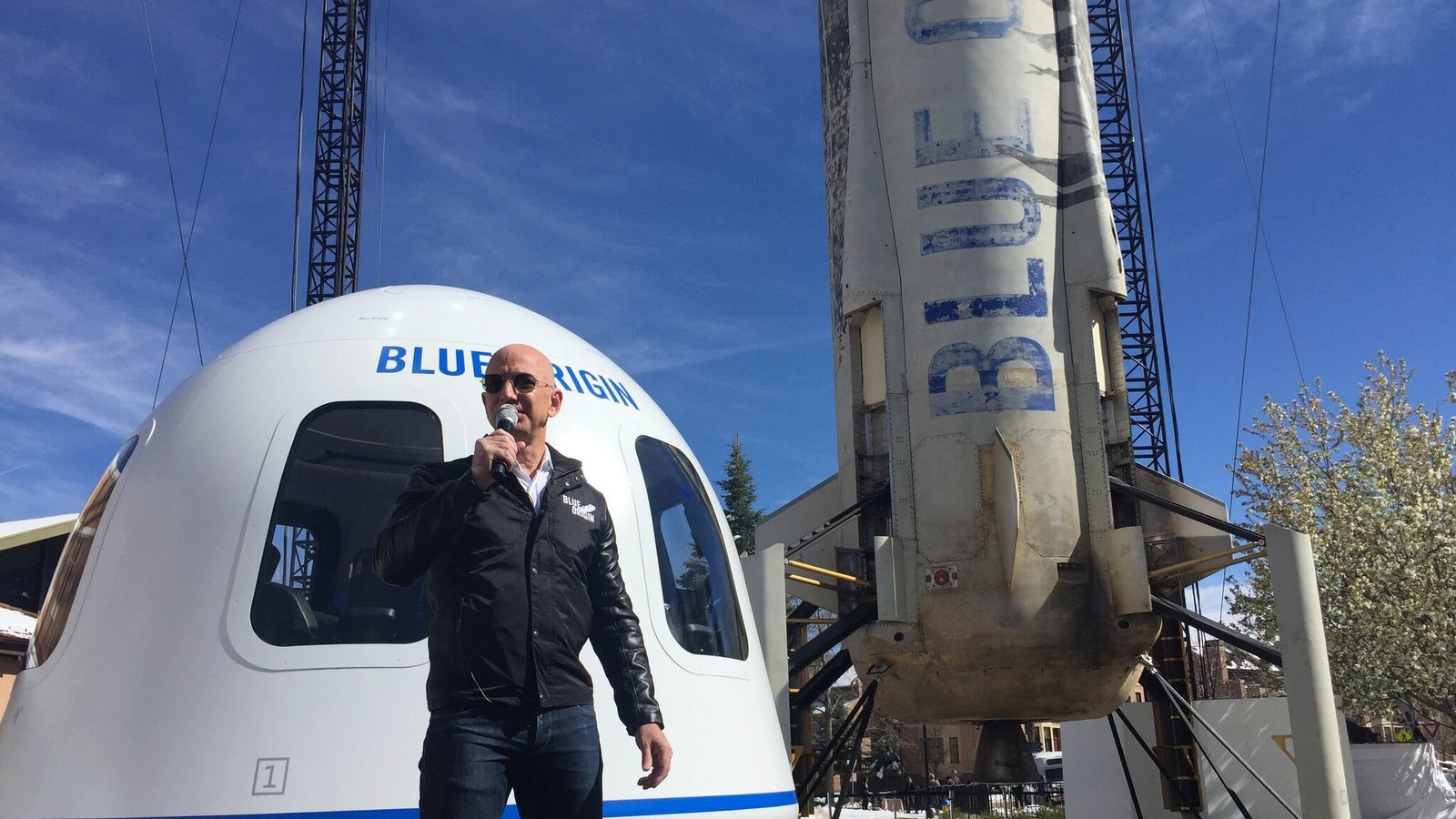 In This Space Race Jeff Bezos And Elon Musk Are Competing