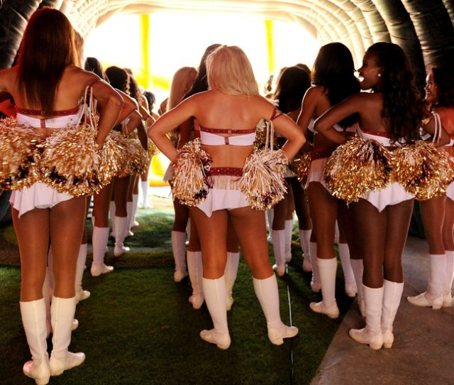 Washington Redskins Cheerleaders Describe Topless Photo Shoot And Uneasy Night Out The New York Times