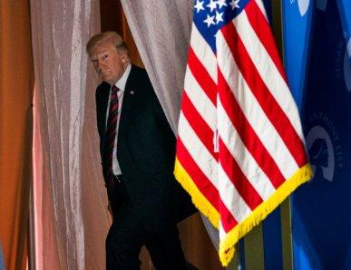 La disposición de Donald Trump a presentar sospechas como si fueran hechos es clave en su estrategia de comunicación.