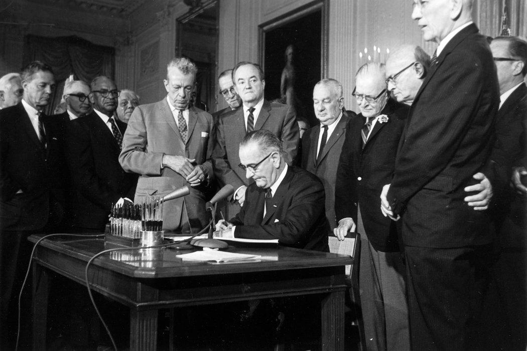 《民權法案》的勝利 - 紐約時報中文網