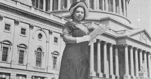 Image result for First Black Female White House Reporter Gets Newseum Statue