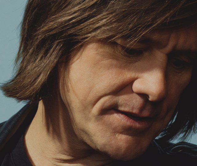 A Darker Deeper Jim Carrey Returns To Tv With Kidding The New York Times