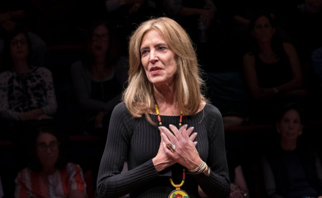 Review Gloria A Life Starring Ms Steinem And Her