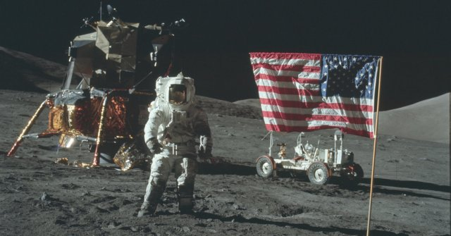Hasil gambar untuk fake moon landing