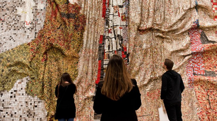 El Anatsui's Monumental New Show Is an Act of Justice - The New York Times