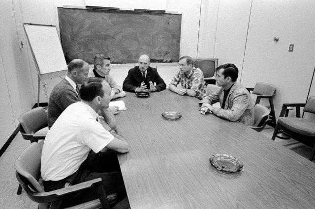 14SCI APOLLO10e superJumbo - ESPAÇO: Apollo 10, uma grande missão esquecida