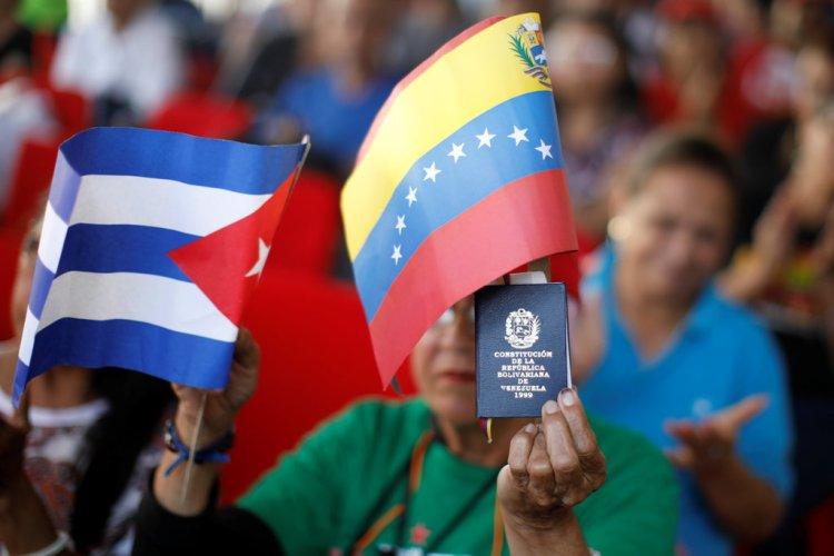 Resultado de imagem para os amplificaram suas ações econômicas contra Cuba,