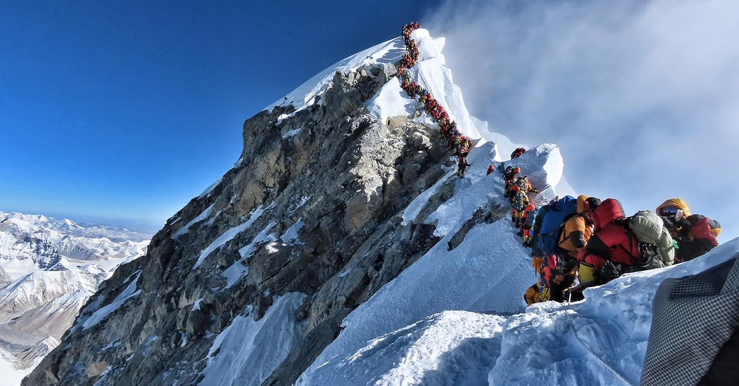 Three More Die on Mount Everest During Crowded Climbing
